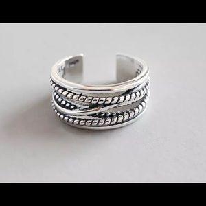 Jewelry - 🌼Women's sterling silver ring